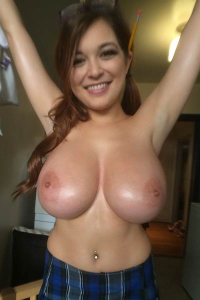 Model Tessa Fowler in Diary Entry 4