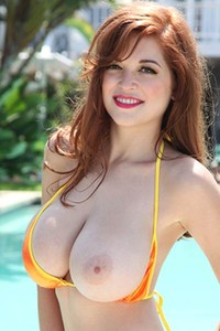 Model Tessa Fowler in